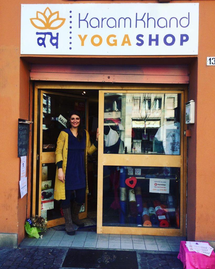 il primo yoga shop a bologna